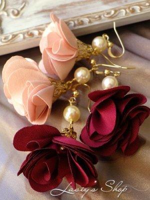 画像1: アコヤ真珠とフラワータッセルのピアス(ホワイト)