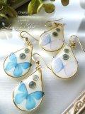 resin accessory*蝶とブルートパーズのピアス
