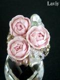 芥子パールとカップ咲きの薔薇リング