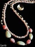 ホワイト&ピンクオパールのロングネックレス