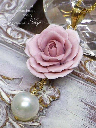 画像1: バロックアコヤ真珠とクレイローズのネックレス